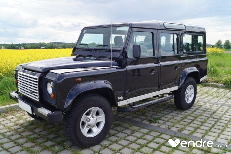 land rover defender 110 station wagon 9 places. Black Bedroom Furniture Sets. Home Design Ideas