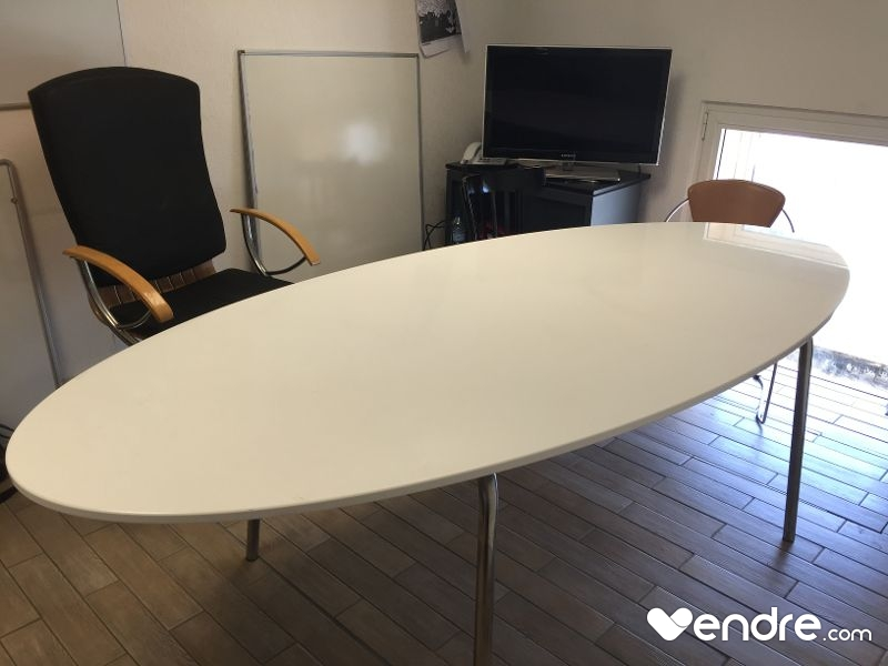 table Ovale GIDEA IKEA blanche laquée  Vendrecom