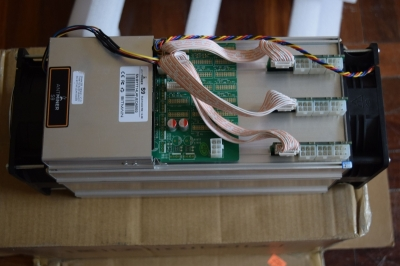 Photo 1 Antminer S9 13 TH/S 16nm ASIC Bitcoin Miner