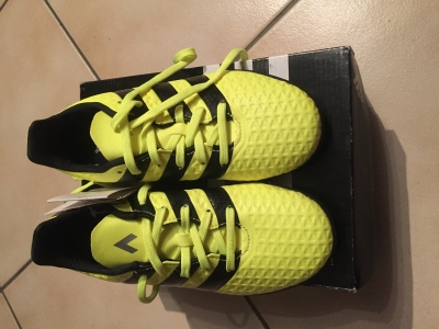 Photo 0 Chaussures de foot pointure 31,5
