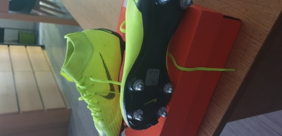 Photo 1 crampon nike mercurial taille 34